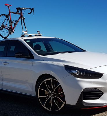 Hyundai i30 Bike Rack - The SeaSucker Mini Bomber